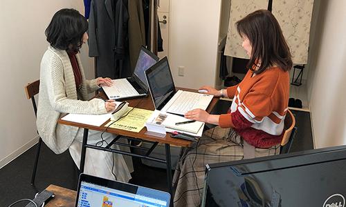 Office TAKU 室内 レッスン風景