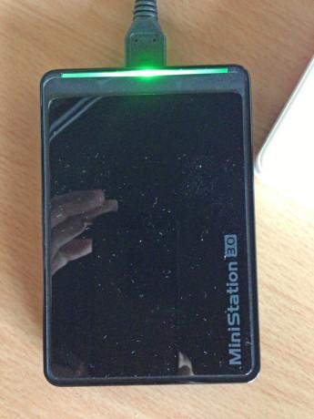 BUFFALO USB3.0対応 ポータブルハードディスク 1.0TB HD-PCT1TU3-B/N [フラストレーションフリーパッケージ(FFP)]