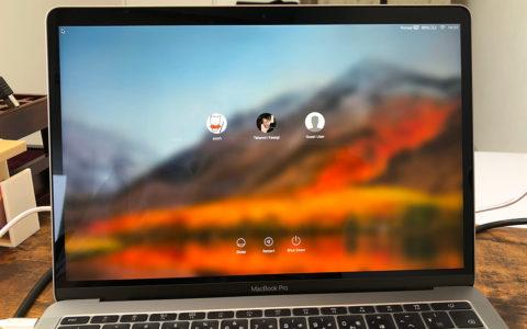 MacBook Proのログイン画面。