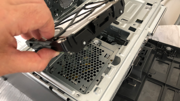 Lenovo Ideacentre 720 ハードディスクを外したところ